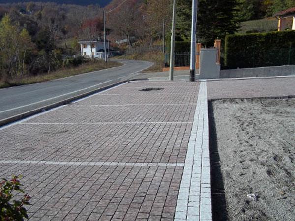 Pavimentazione-parcheggi-esterni-Piacenza